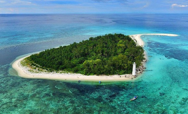 Tempat Wisata di Makassar - Pulau Lanjukang
