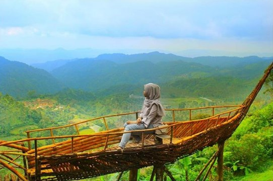 Tempat Wisata di Bandung - Puncak Eurad Pingping Lembang