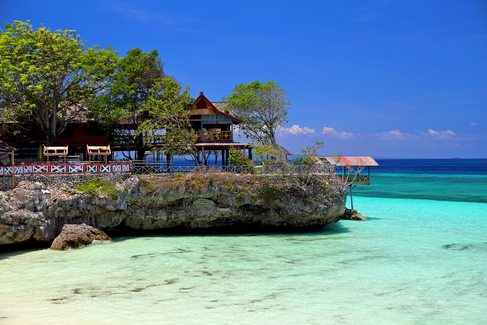 Tempat Wisata di Makassar - Tanjung Bira