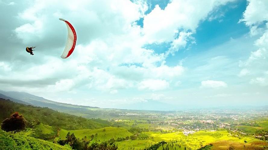 Tempat Wisata di Bogor - Fly Indonesia Paragliding