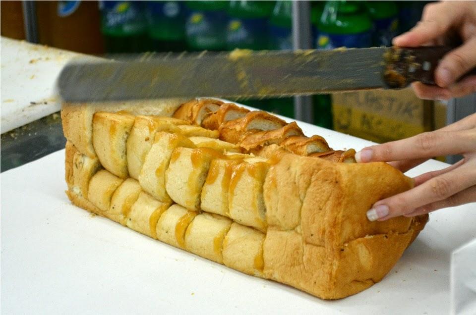 Oleh-oleh Khas Medan - Roti Ganda