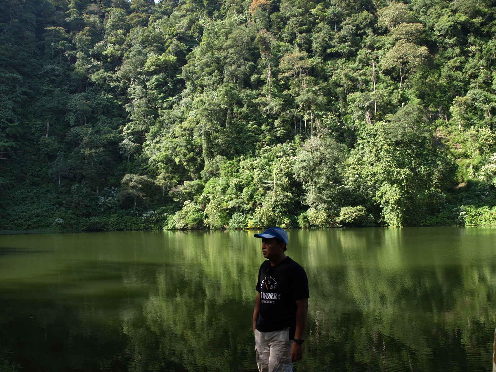 Tempat Wisata di Bogor - Telaga Warna Puncak