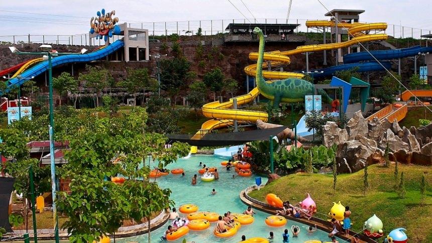 Tempat wisata di Semarang - Water Blaster Bukit Candi Golf