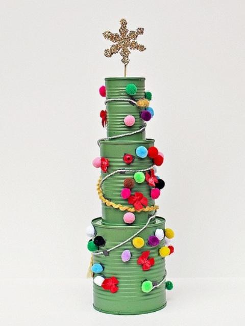 20 Kreasi Pohon Natal Unik yang Bisa Dibuat Tanpa Keluar