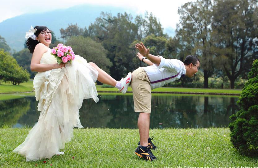 20 Pose Foto Pre Wedding Romantis Unik Dan Lucu Dengan Pasangan