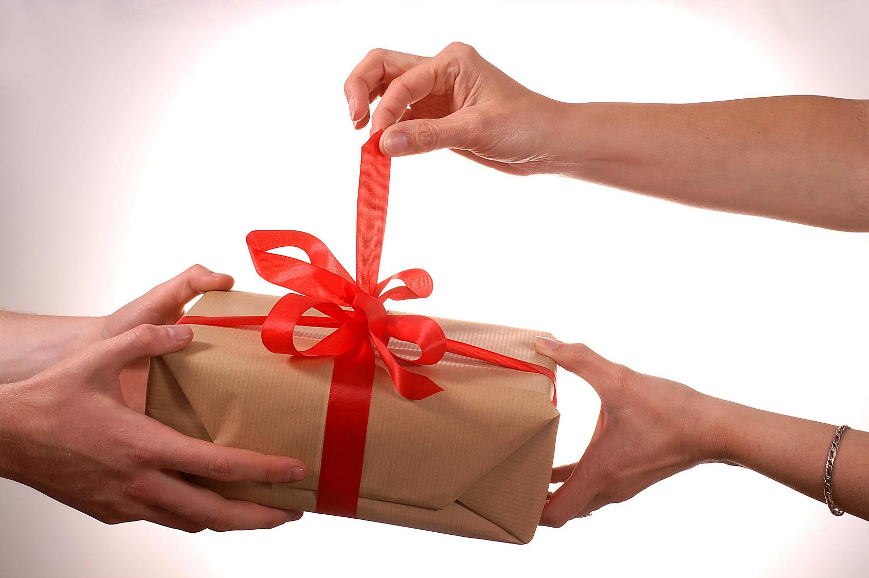 10 Hadiah Ulang Tahun Buat Pacar yang Unik dan Paling Berkesan!