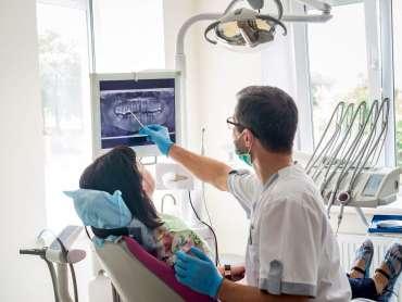 10 Universitas Kedokteran Gigi Terbaik di Indonesia