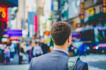 8 Tips Sukses Meningkatkan Karir di Masa New Normal
