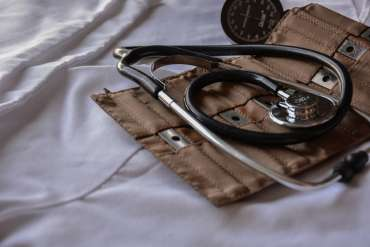 6 Pilihan Karir Lulusan Kedokteran Selain Kerja di RS