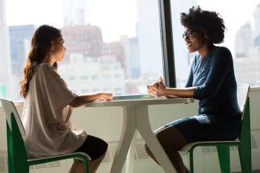 7 Contoh Memperkenalkan Diri Saat Interview Kerja, Lengkap!