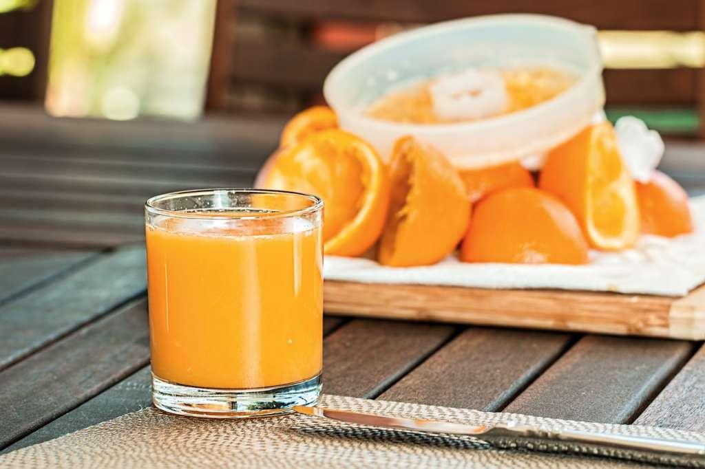 selective focus photography of pure orange juice 158053