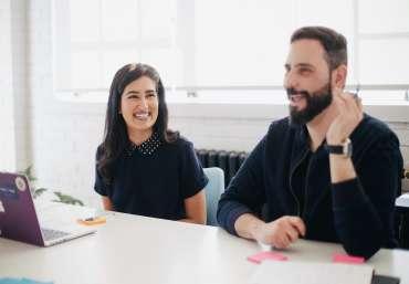 7 Jenis Pakaian Yang Sebaiknya Dihindari Saat Interview Kerja