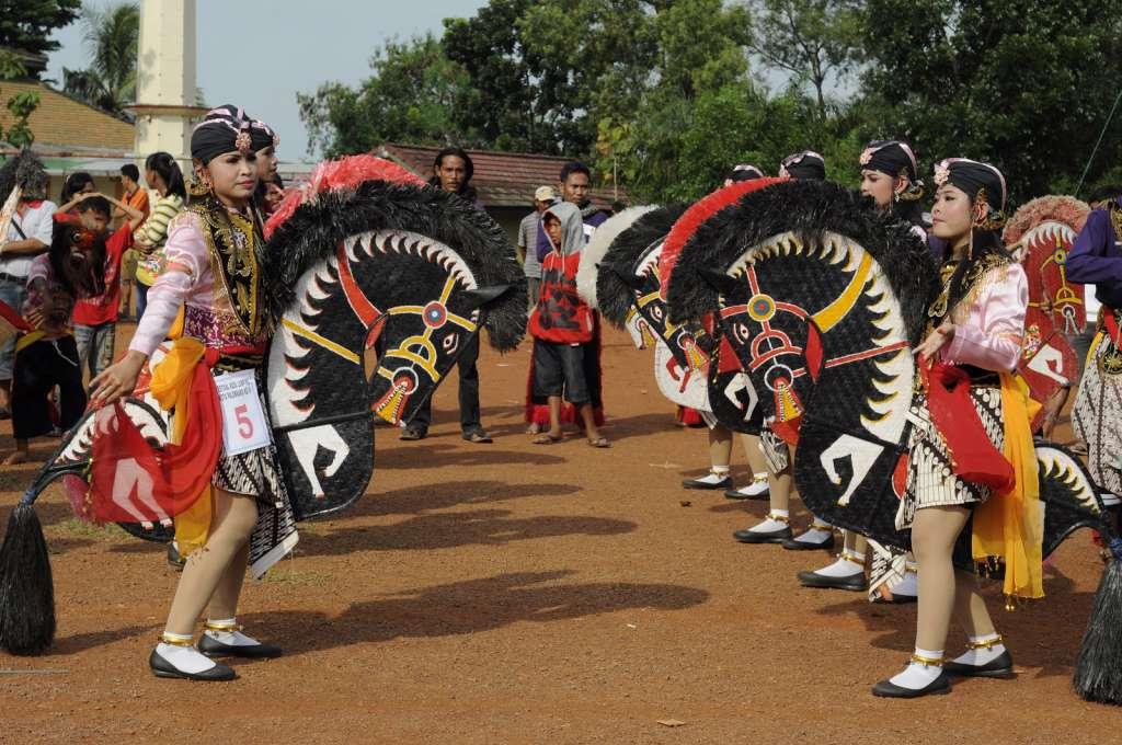 34 Tarian Daerah Di Provinsi Indonesia Asal Daerah Gambar Lengkap